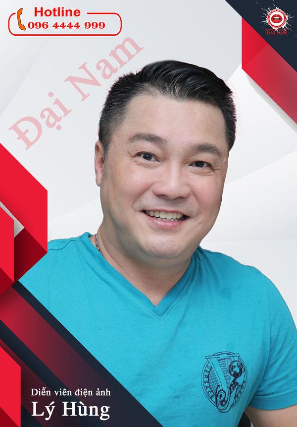 diễn viên Lý Hùng làm răng sứ tại Nha khoa Đại Nam