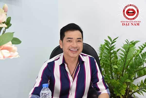 Diễn viên Quang Minh trẻ ra đến 10 tuổi nhờ làm răng tại Đại Nam